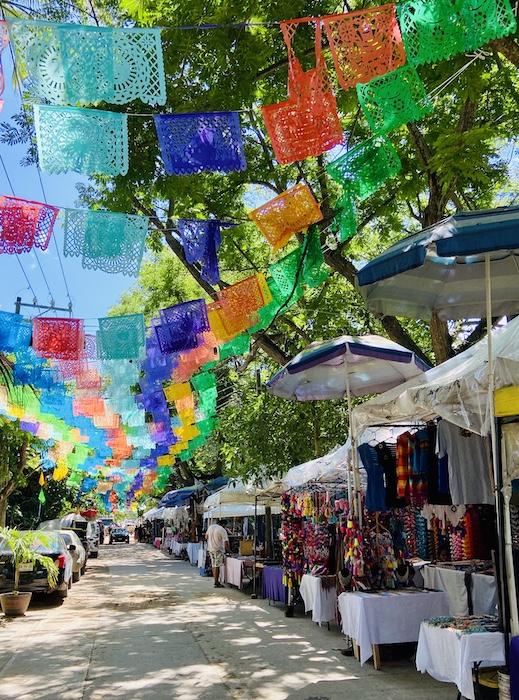 Street vendors in Saturday market